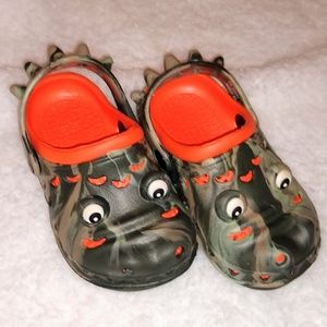Other - NWOT Toddler Crocodile Clogs Size 6/7